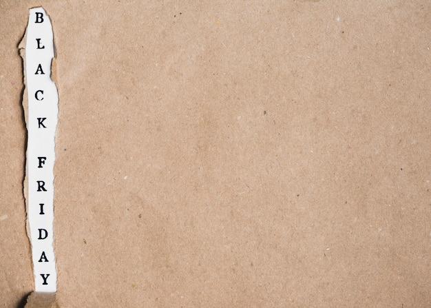 Inscription et feuille d'artisanat du vendredi noir
