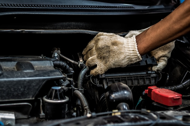 Inspection régulière des voitures d'occasion