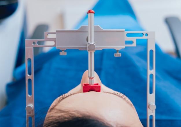 Installation de l'arc facial. diagnostic fonctionnel.