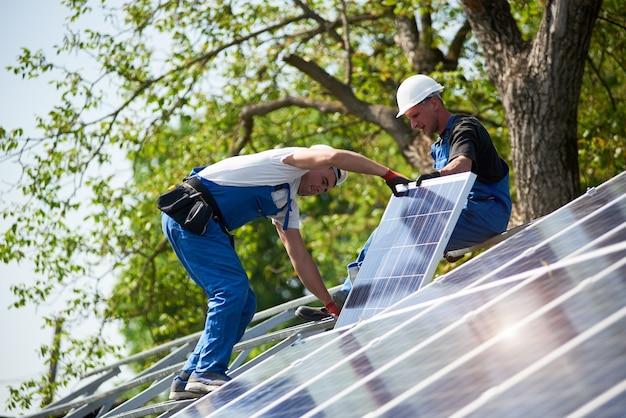 Installation de système de panneaux solaires autonomes, énergie verte renouvelable