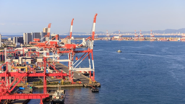 Installations industrielles et port corgo osaka japan