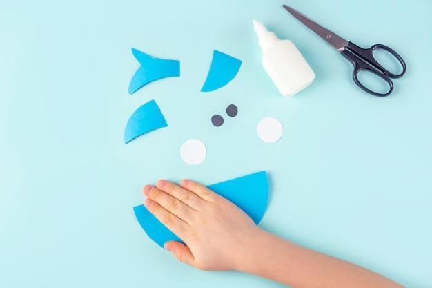 Instructions étape par étape comment faire du requin à partir de papier