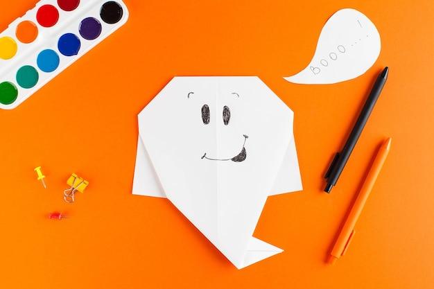 Instructions étape Par étape Pour Le Moulage De Papier Origami Pour Halloween Photo Premium