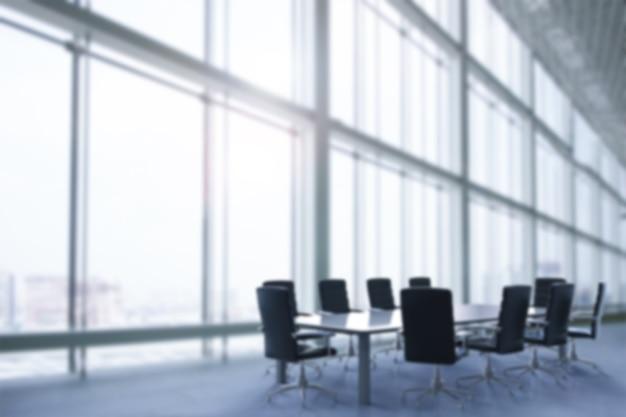 Intérieur de bureau vide ou arrière-plan flou de la salle de conférence