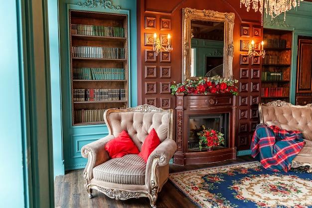 Intérieur classique de luxe de la bibliothèque à domicile
