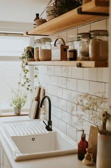 Intérieur de cuisine propre et confortable