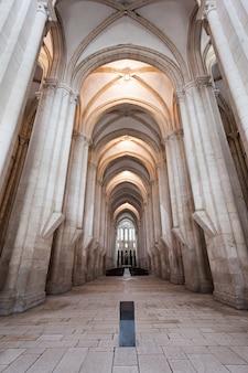 Intérieur du monastère d'alcobaça