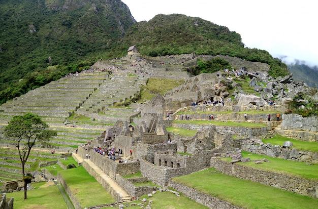 À l'intérieur du site archéologique de machu picchu, province de l'unesco à urubamba, au pérou