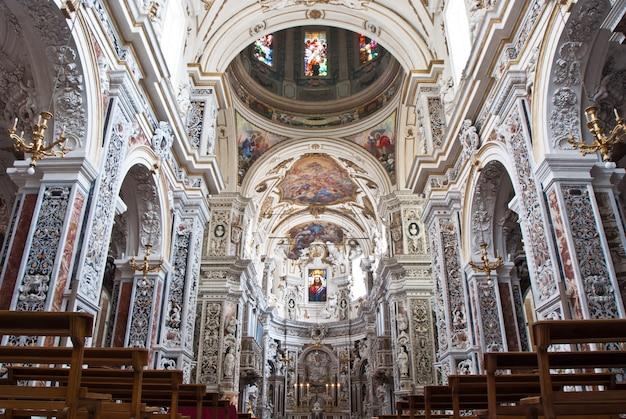 Intérieur de l'église la chiesa del gesu ou casa professa à palerme, sicile