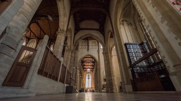 À l'intérieur de l'église saint-laurent, rotterdam