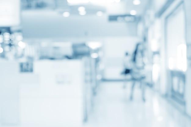 Intérieur flou de dispenser à l'hôpital