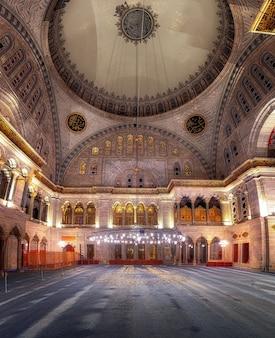 L'intérieur de la mosquée bleue est également connu sous le nom de sultan ahmed mosquei n istanbul turquie