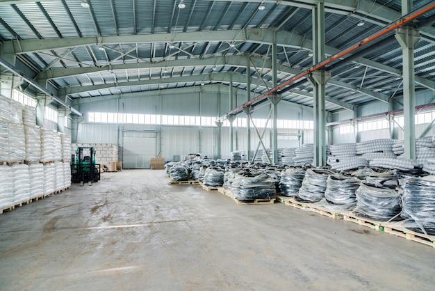Intérieur d'un nouvel entrepôt