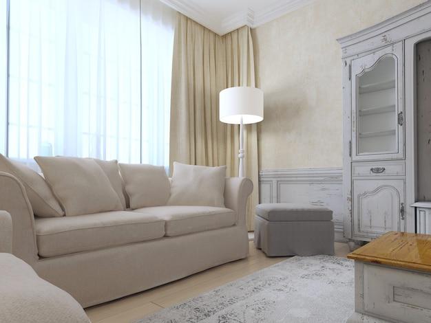Intérieur provençal avec canapé et grande fenêtre.