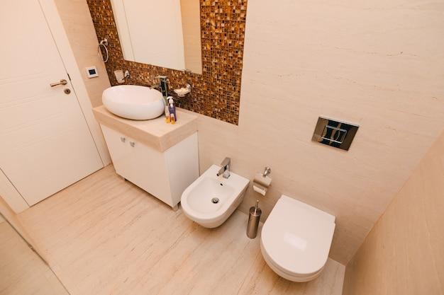 L'intérieur de la salle de bain design d'intérieur de salle de bain dans un