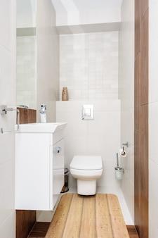 Intérieur de la salle de bain moderne