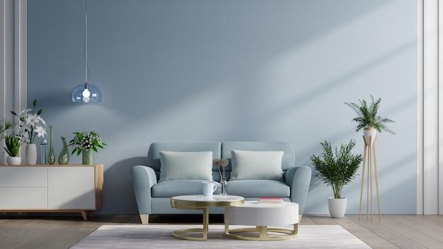 Intérieur de salon moderne avec canapé et plantes vertes, lampe, table sur fond de mur bleu foncé.