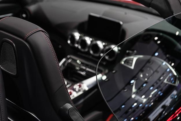 Intérieur de super voiture de luxe