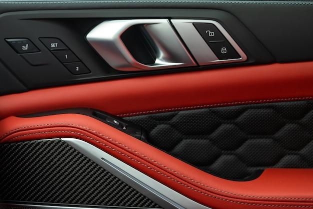 Intérieur de voiture avec cuir