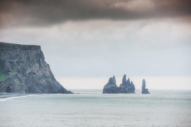 Islande reynisdrangar falaises sur