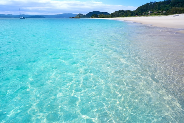 Islas cies island beach turquoise près de vigo galicia