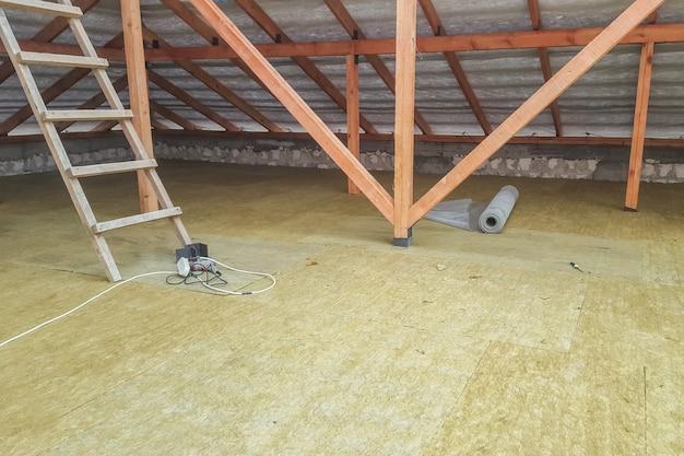 Isolation du sol sur le chantier