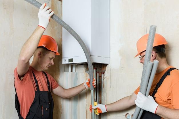 Isolation des tuyaux de chaudière à gaz.