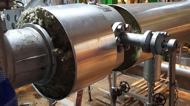 Isolation des tuyaux de vapeur pour turbine à vapeur de centrale électrique