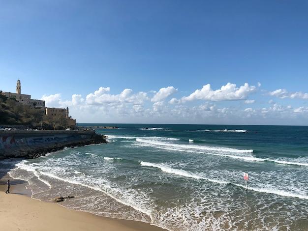 Israël, tel aviv. portrait de personnes sur la plage