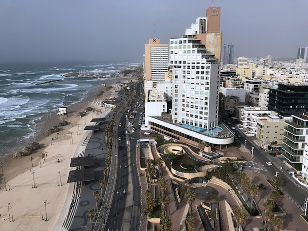Israël. vue sur les rues de tel aviv d'en haut.
