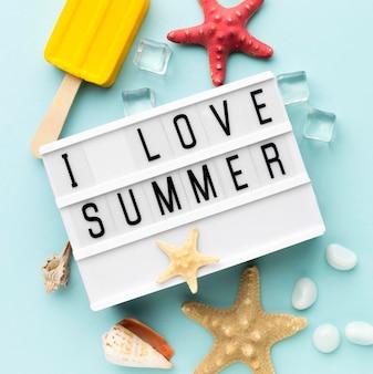 J'adore le concept d'été avec des glaces