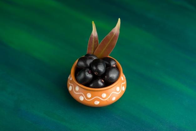 Jambolan prune ou jambul ou fruit jamun, prune de java (syzygium cumini)