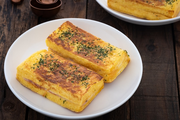 Jambon grillé et sandwich au fromage