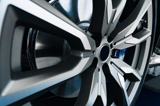 Jante en aluminium de roue de voiture de luxe photo en gros
