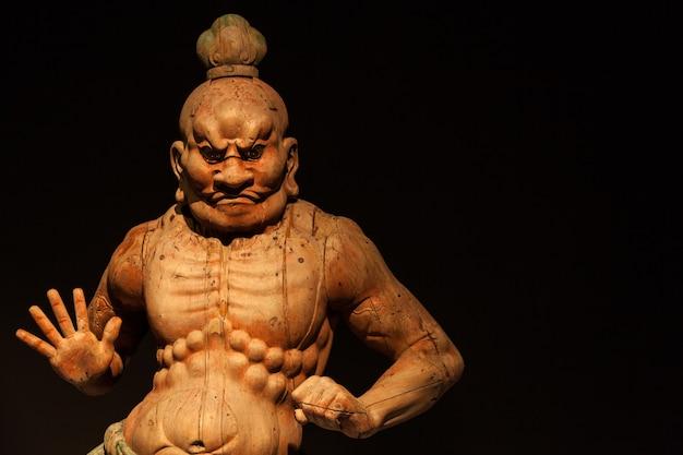 Japon, statue kongorikishi en bois, les gardiens musclés du bouddha, xiii siècle