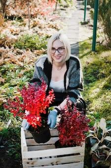 Jardinier avec boite en bois