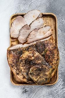 Jarret de porc rôti en tranches