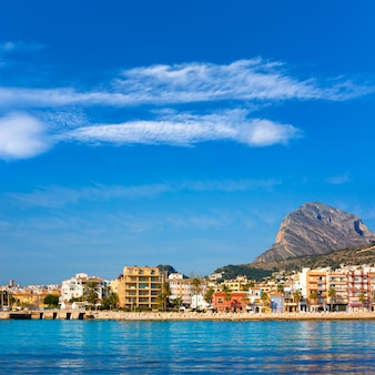 Javea xabia skyline de la mer méditerranée espagne