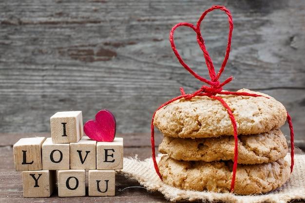 Je t'aime inscription et biscuits à l'avoine faits maison