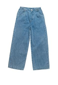 Jeans larges pour femmes à la mode élégante isolés sur une surface blanche