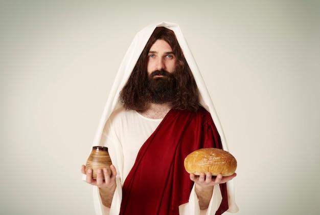 Jésus avec du pain et du vin