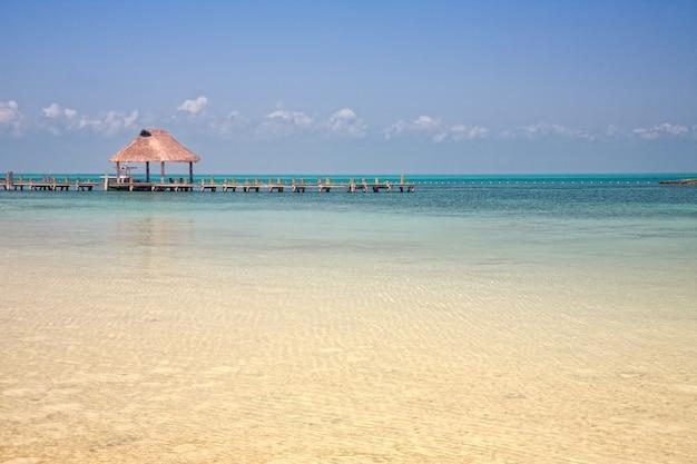 Jetée sur l'isla contoy, mexique