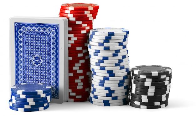 Jetons de casino isolés sur fond blanc