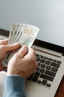 Jeu de casino en ligne succès de la chance et concept gagnant
