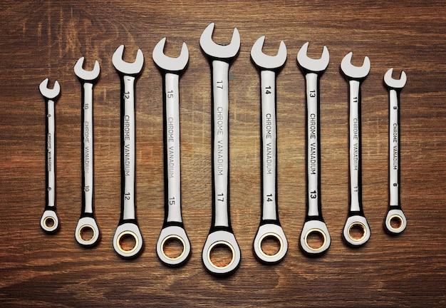 Jeu de clés sur bois