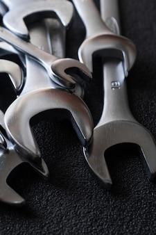 Jeu de clés à molette pour réparation automobile professionnelle