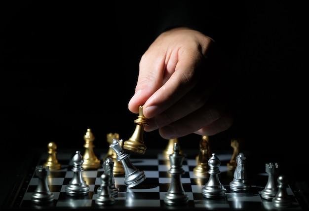 Jeu d'échecs pour la compétition et la stratégie