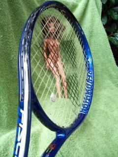Le jeu de tennis, de l'herbe