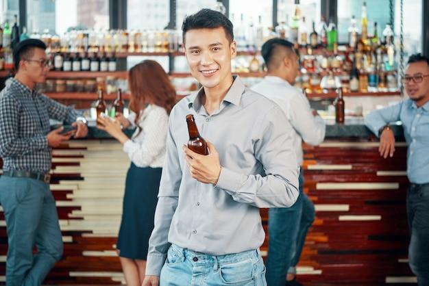 Jeune, boire, bière, barre