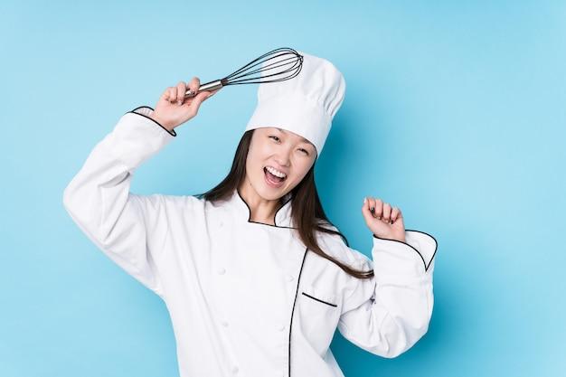Jeune chef japonais femme cuisine